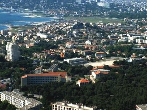 Vue du lycée Marseilleveyre